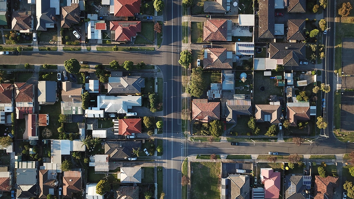 WHAT TO LOOK FOR IN A NEIGHBORHOOD
